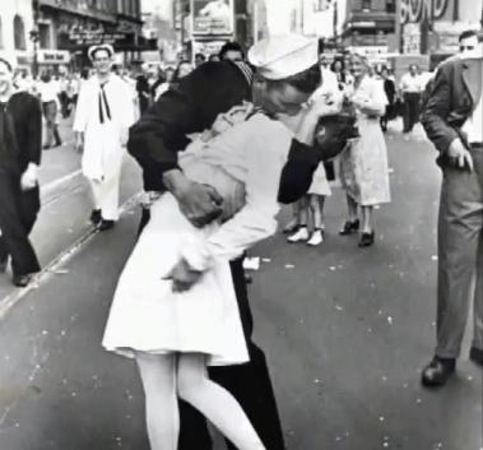 The Famous Welcome Home Kiss Gets A 21st Century Makeover VIDEO