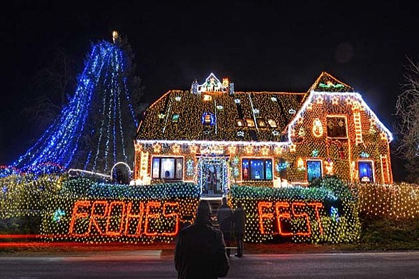 house christmas lights big can see your lights from space 31450